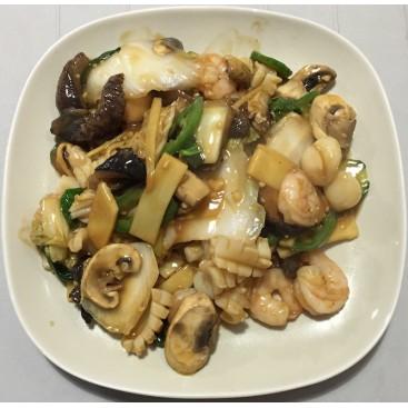 57. Seafood Treasure With Mandarin Sauce